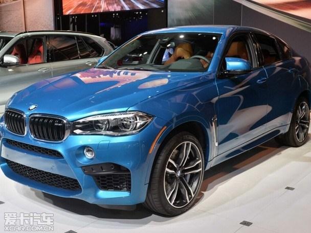 近日,据最新消息,在即将开幕的2015上海车展期间,全新宝马X5 M和X6 M将正式在国内迎来上市,两款新车不仅在外观上升级明显,动力性能也得到了进一步提升。    小贴士:全新宝马X5 M、X6 M将于车展上市;动力共享4.4L双涡轮增压V8发动机,性能上经过了调校,配8速M Steptronic变速箱;百公里加速均为4.