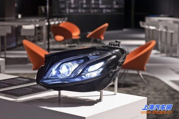 全新一代奔驰e级预告图 将北美车展发布