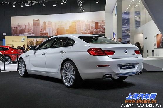 宝马6系   预计上市时间:2015年   在2015年度北美车展上,宝马新款6系家族正式首发亮相。据了解,新款6系将包括6系敞篷版、6系Gran Coupe以及6系Coupe三款车型,而新款M6则包含新款M6 Coupe、新款M6 Gran Coupe以及新款M6 敞篷版三款车型。  宝马6系 Gran Coupe    宝马新款6系主要的变化集中在前脸部分,双肾型前进气格栅采用镀铬边框设计,单侧格栅竖条幅从老款的10根减少至9根,来到车尾部分,新车相比老款车型没有过多变化,尾造型依然动感时尚并采用